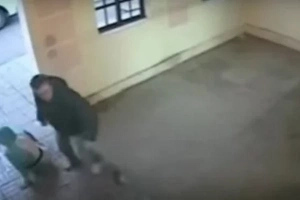 Thug Attacks Woman, Now WATCH Real Hero's Single Punch! (Video)