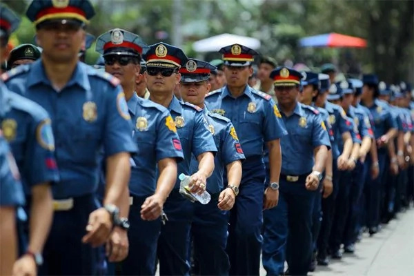 Duterte to issue pre-signed pardon forms to cops and military