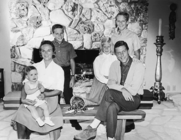 Dick Van Dyke, his late wife, Margie Willet and their four children | Photo: Getty Images