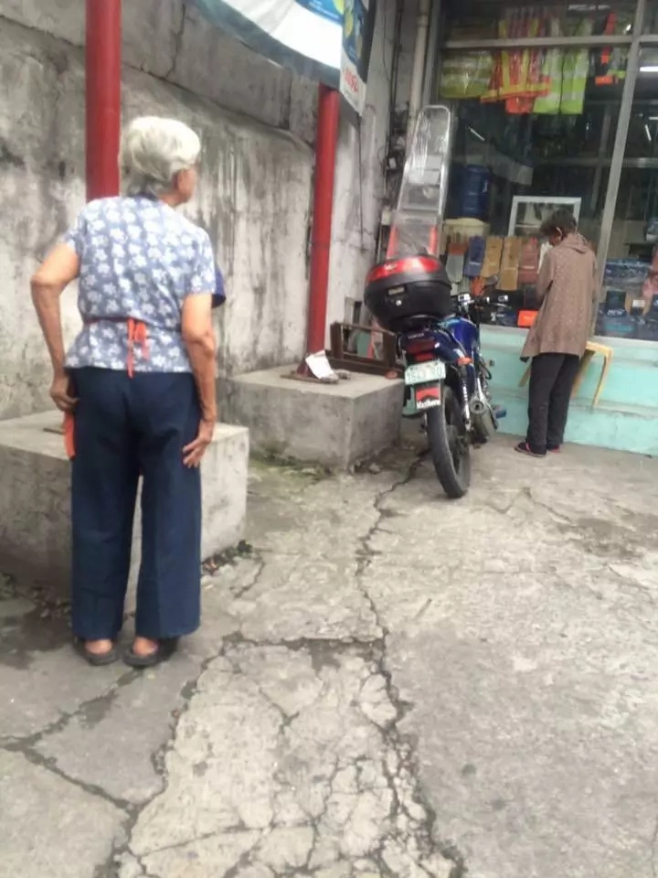 Netizen shares heartmelting encounter with poor grandma