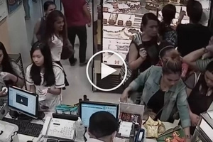 Shocking Pinoy family of thieves steal wallet from distracted Goldilocks customer in Cebu