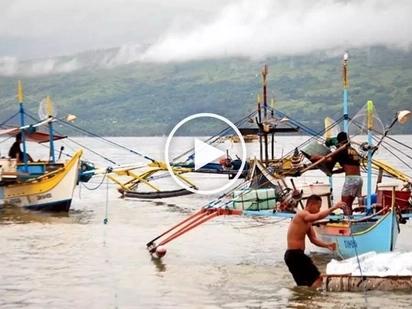 Dahil kay Digong: Chinese Coast Guard pinayagan ang mga Pinoy na mangisda sa Scarborough Shoal