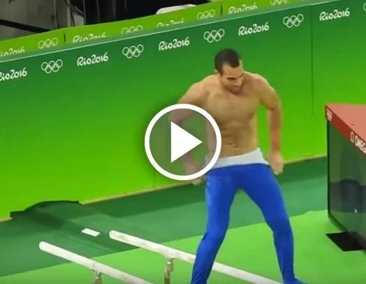 Gimnasta se despidió de los Olímpicos con un sensual baile. ¡No te quedes sin verlo!