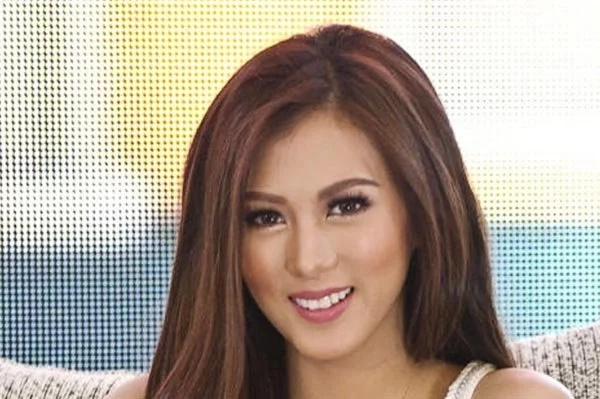 Alex Gonzaga dines with rumored boyfriend
