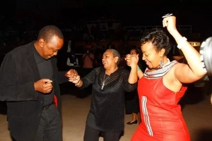 15 pictures that prove Uhuru Kenyatta can dance better than you