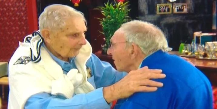 Emocionante reunión: A los 90 años conoció a su hermano