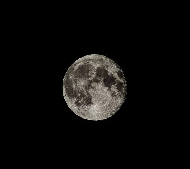Man could potentially live on the moon. Photo: Getty