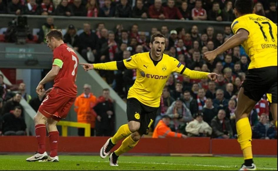 Manchester United sign Henrikh Mkhitaryan
