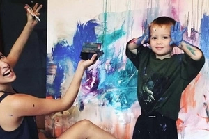 Ang galing! Solenn Heussaff shows incredible talent during painting session with nephew