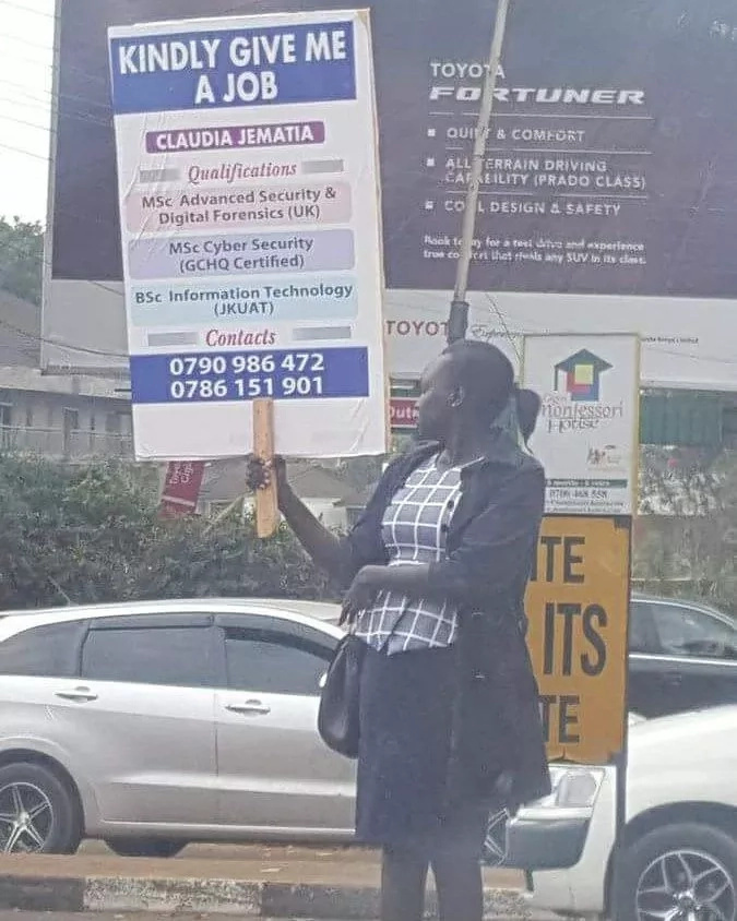Nairobi woman looking for a job holding a placard stuns Kenyans with her impressive qualifications(Photos)