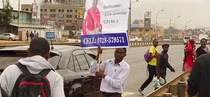 Nairobi man who used placard to beg for work quits employment, Kenyans erupt