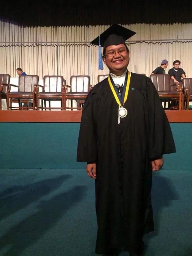 Farmer's son graduates cumlaude