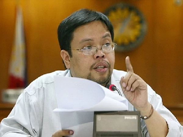 Comelec to deliberate on Roxas' request for extension to file SOCE