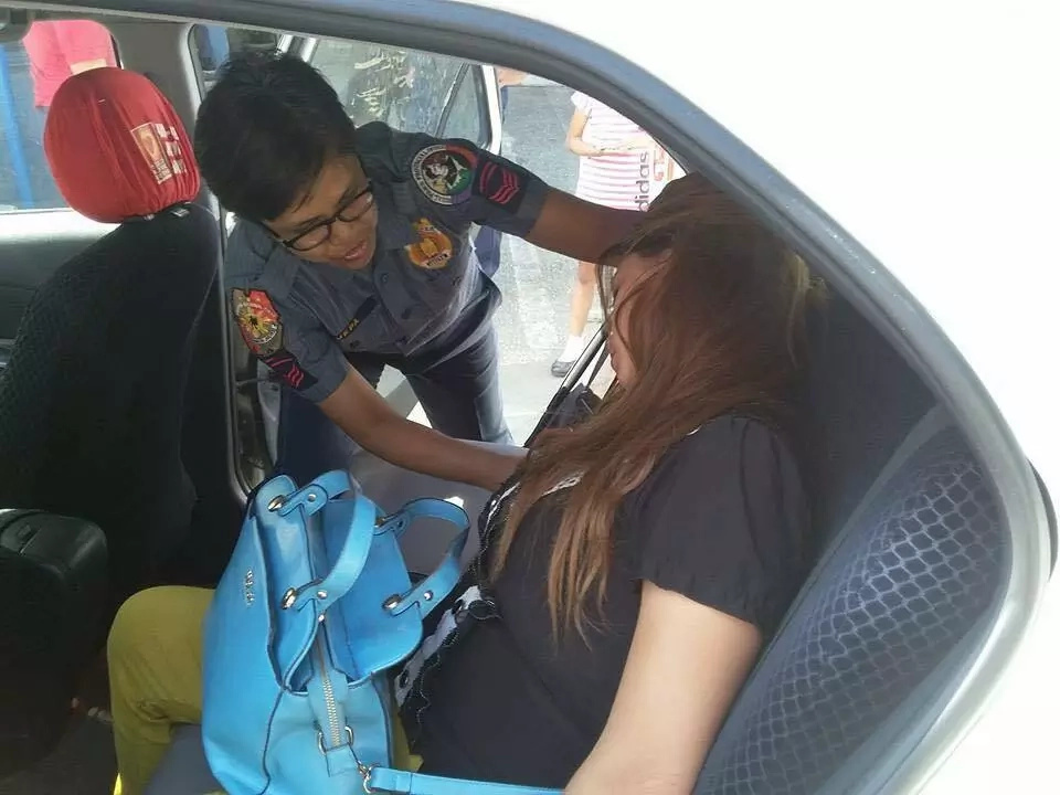 Taxi driver volunteers to help ailing Pinay