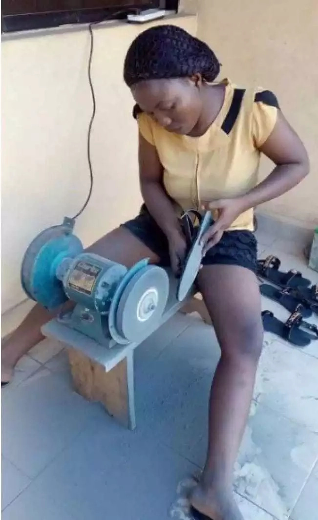 This sweet female graduate who chose to be a shoe-maker will melt your heart