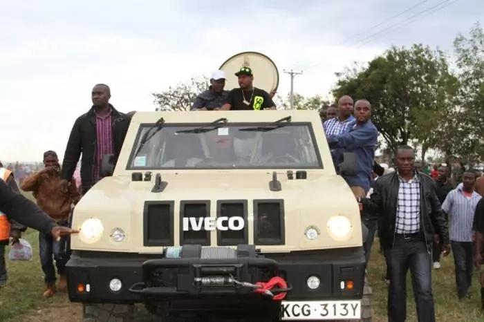 Residents in Kiambu mill to see Kabogo and Sonko's weird vehicle