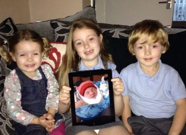 Mom Who Spent 15 Days With Her Stillborn Baby Shares Poignant Family Album
