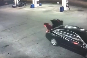 KIDNAPPED Woman Escapes Trunk While Suspect Drives Away (photos, video)