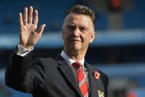 Breaking news: Manchester United sack Louis Van Gaal and his coaching staff