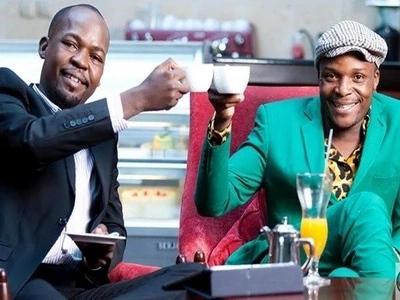 Mtangazaji wa Radio Maisha achangamsha mitandao kwa picha ya KUPENDEZA ya mkewe (picha)