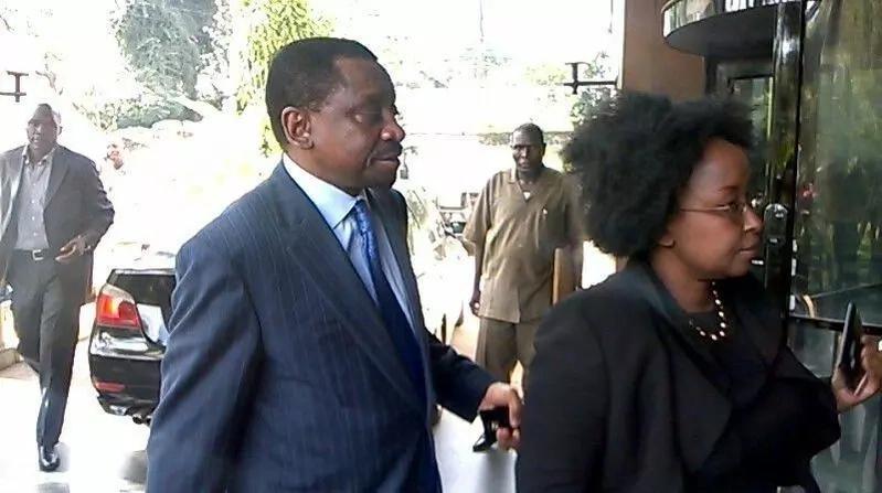 Senator Orengo's wife sends free advise to Uhuru Kenyatta's lawyer