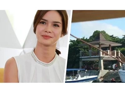 Erich Gonzales and her Resort House with yachts and palm trees: you MUST see it!