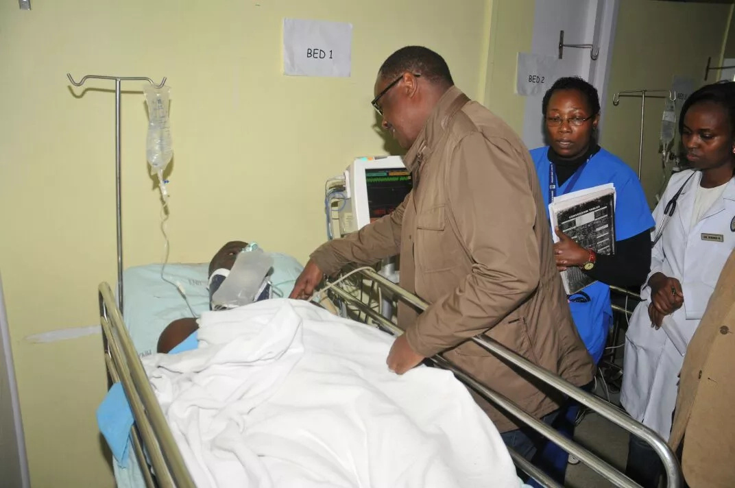 Kidero visits Huruma building survivors, warns building owners