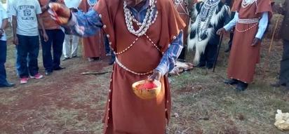 Wazee wainyeshea damu Uhuru Park siku 1 kabla uapisho wa Raila