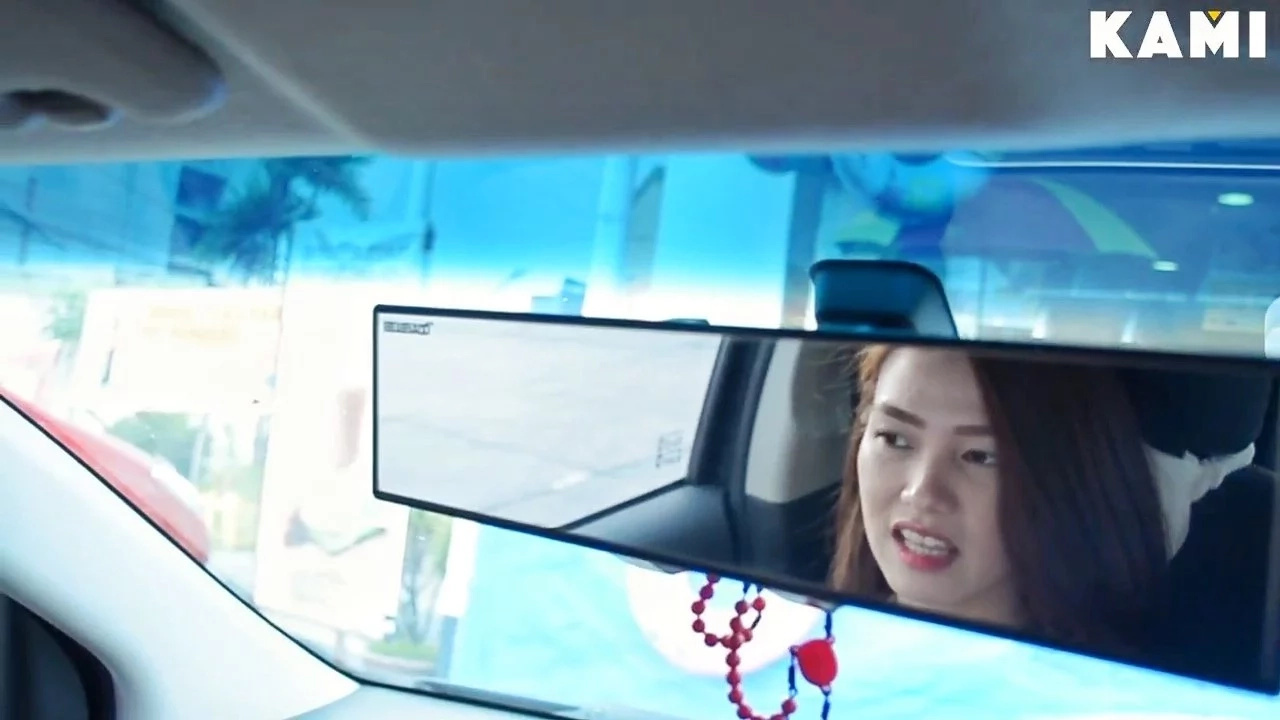 VIRAL: More Reasons to Try UBER Now – Gorgeous Lady Driver Making the Rounds Online. You Might Just Be Her Next Passenger!