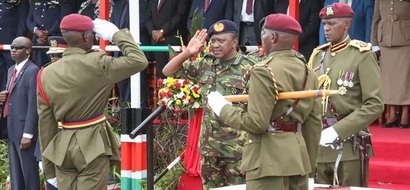 Photos: President Uhuru Kenyatta puts on military uniform again