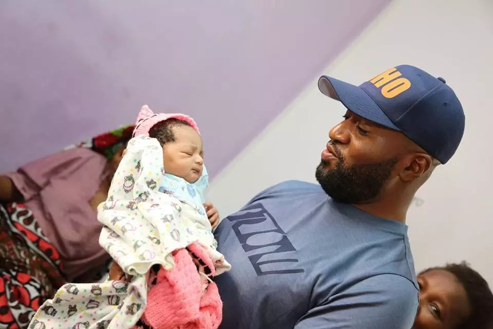 Joho warms the hearts of women again