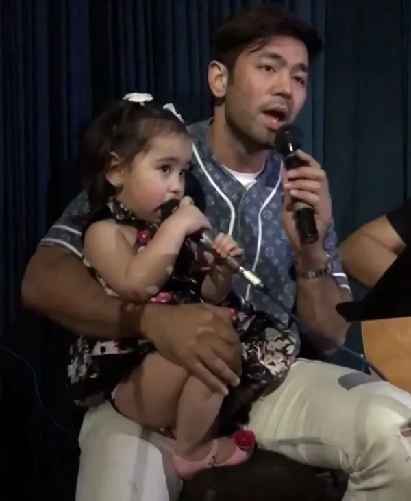 Scarlet Snow jams with Doc Hayden