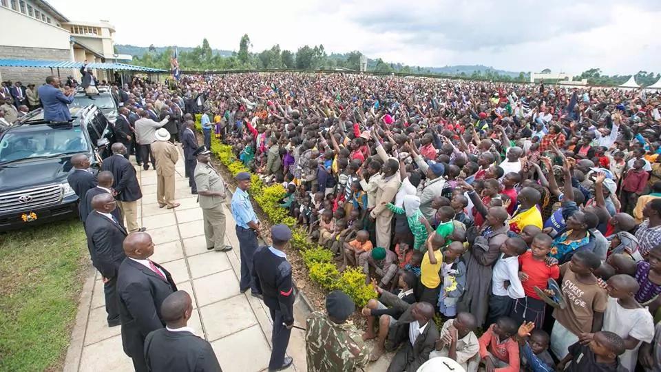 Uhuru na Ruto wagawanyika katika msururo wa kampeni magharibi mwa Kenya