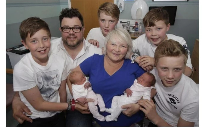 Meet woman who gave birth to three sets of twins (photos)