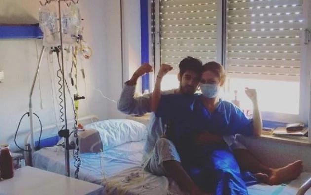 Tiene leucemia y le hizo una propuesta increíble a su novia