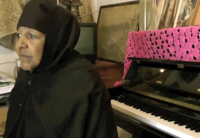 Meet nun who is almost 100 years old she is a talented PIANIST and composer (photos)