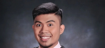 This college student has the most relatable graduation picture we've ever seen
