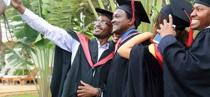 Kalonzo Musyoka graduates with a master in law... then he tells DP Ruto this after he failed to graduate from UoN (photos)