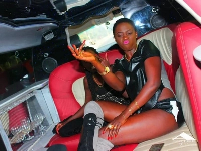 Woman calls richest singer Akothee a thief, Akothee's response forced the lady to SHUT UP IMMEDIATELY