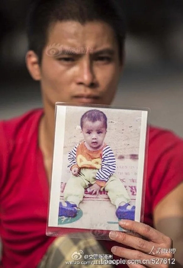 """Padre discapacitado camina de ciudad en ciudad en búsqueda de su hijo secuestrado...""""Nunca dejaré de buscar a mi hijo"""""""