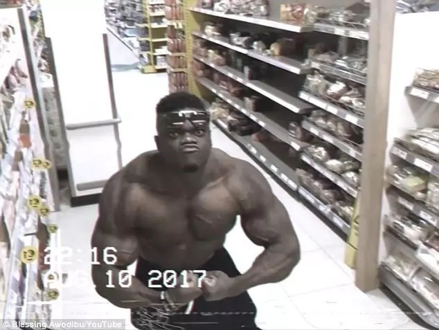 Hilarious video shows bodybuilder admiring himself on CCTV
