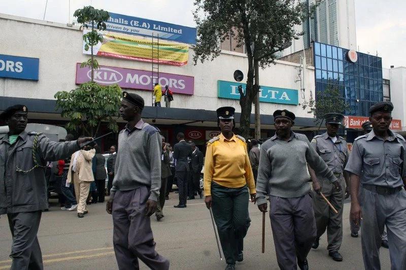 Angry Mombasa woman beats Kanjo officer