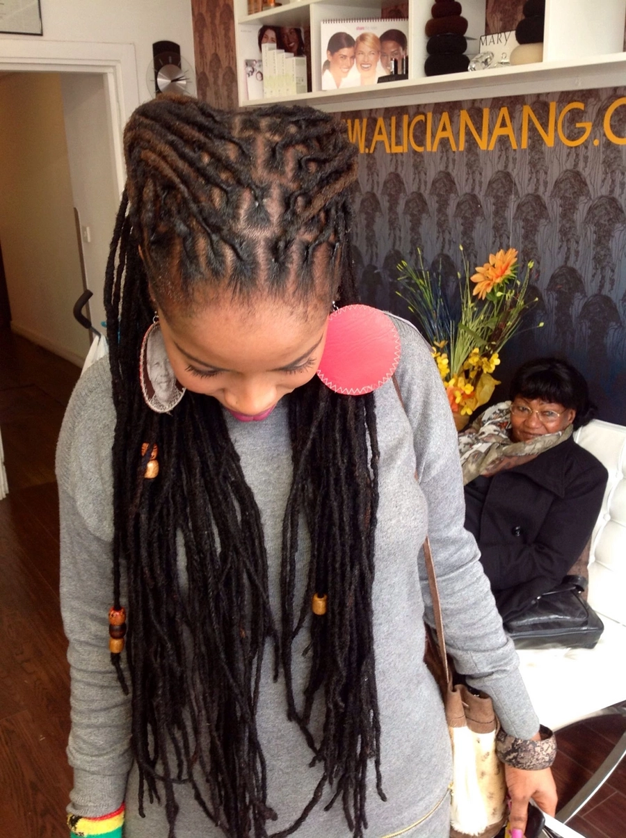 0fgjhsrv6ufbf5is8.r900.cc4de2c5 - Best Dreadlock hairstyles for women 2018(With pictures)