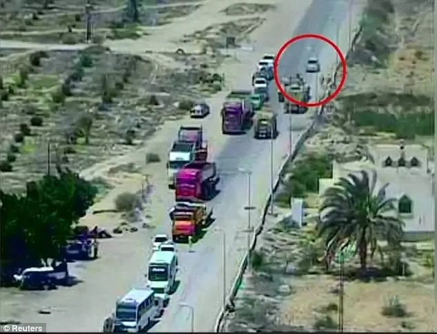 Egypt tank runs over vehicle bomb in Sinai
