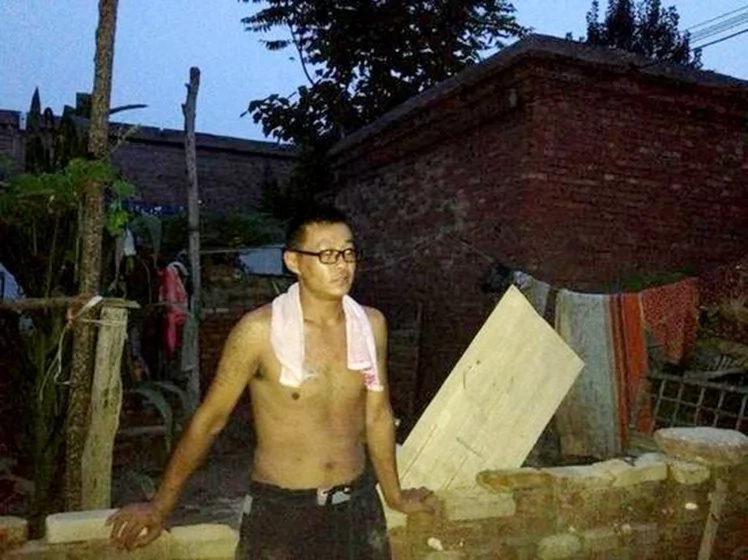 A Flood Struck His Village! Did He Stay With His Wife Or Save His Mother?