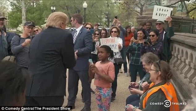 The girl tells 'Trump' he is the disgrace, social media explodes
