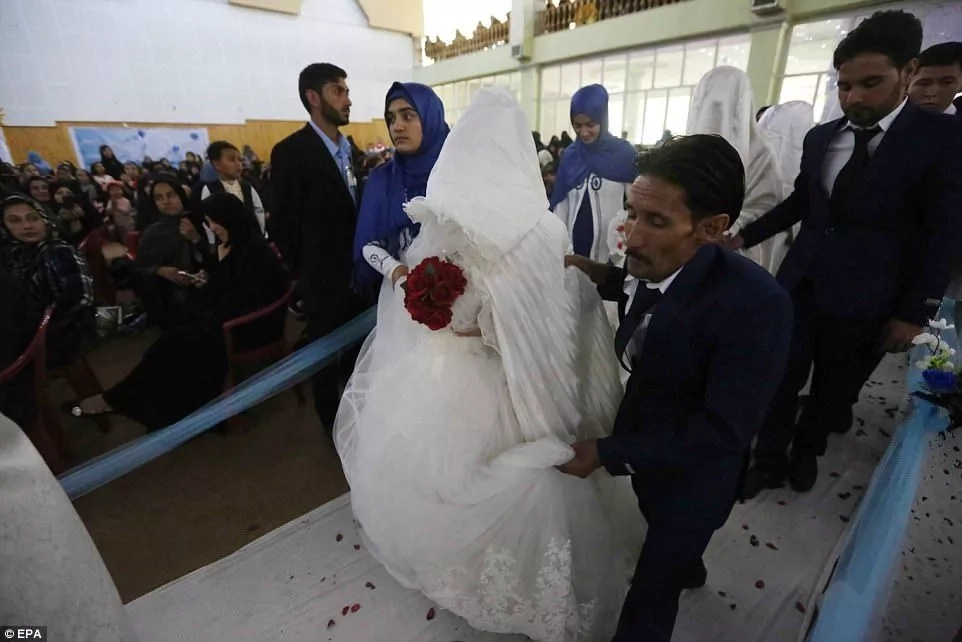Among the newlyweds were disabled and blind couples