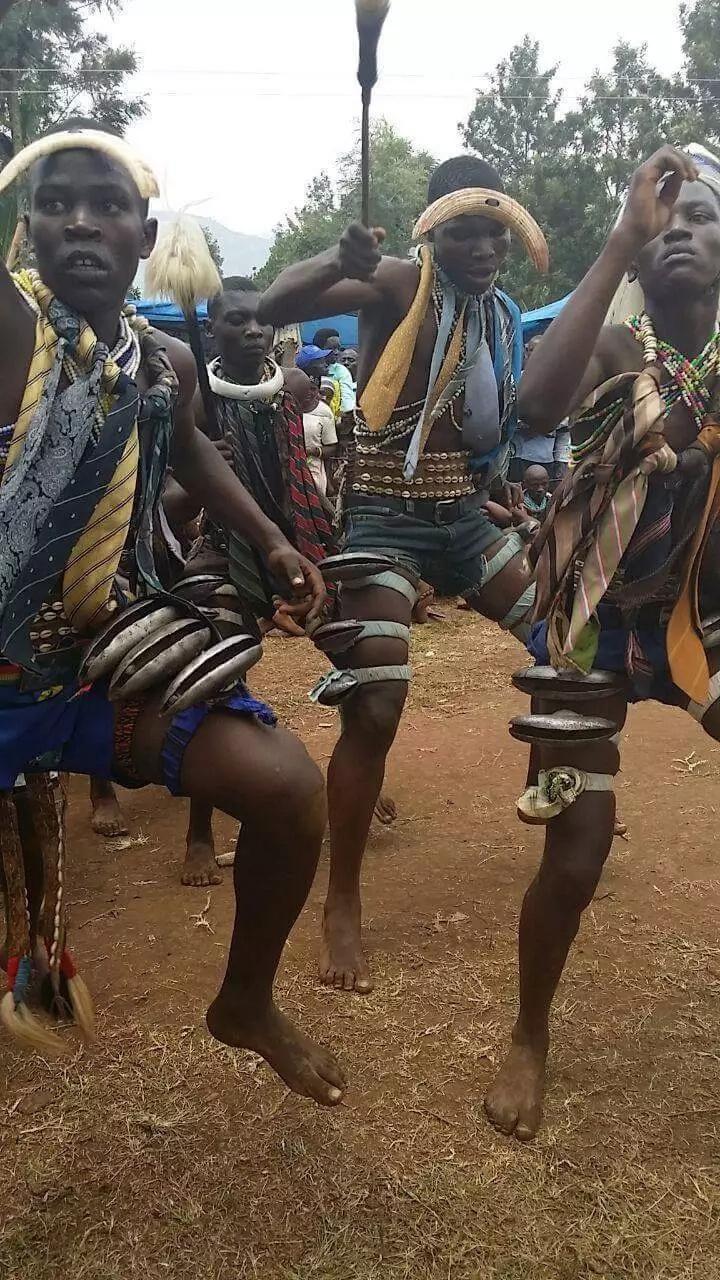 Msimu wa mabarobaro Wabukusu kutahiriwa umefika (Picha)