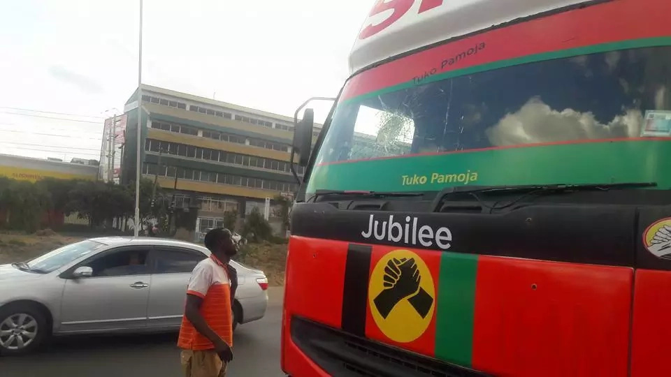 Mike Sonko vehicles stoned along Mombasa road