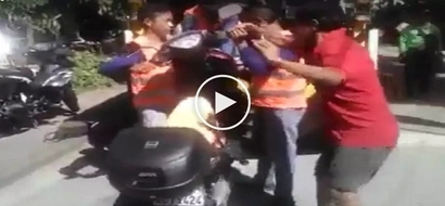 Galit na galit! Pinoy motorcycle riders' fight with towing crew in subdivision caught on video